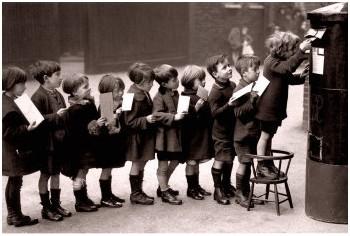 Enfants-à-la-queue-leu-leu